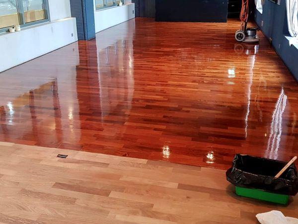 Alte Böden in neuem Glanz: Tipps und Hinweise für die Sanierung von Parkett und Holzdielen